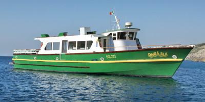 barca per escursioni in mare salento